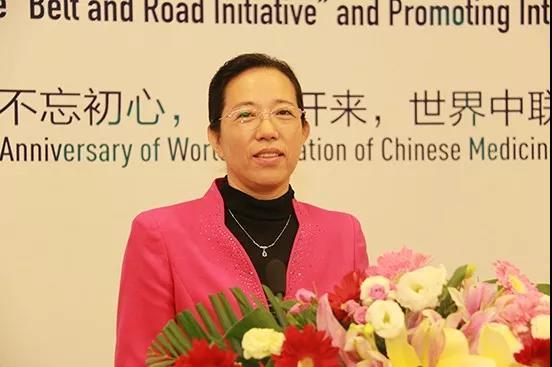 世界中联副秘书长徐春波主持会议